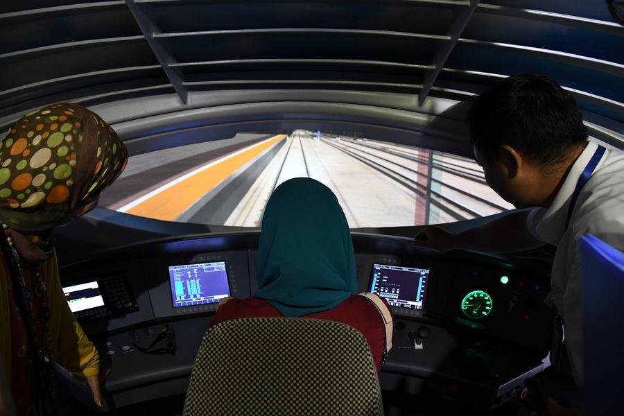 China's high-speed railway training base attracts B&R countries' visitors - Xinhua   English.news.cn