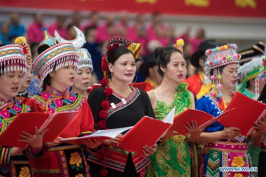 中国-云南-昆明-合唱团表演(CN)