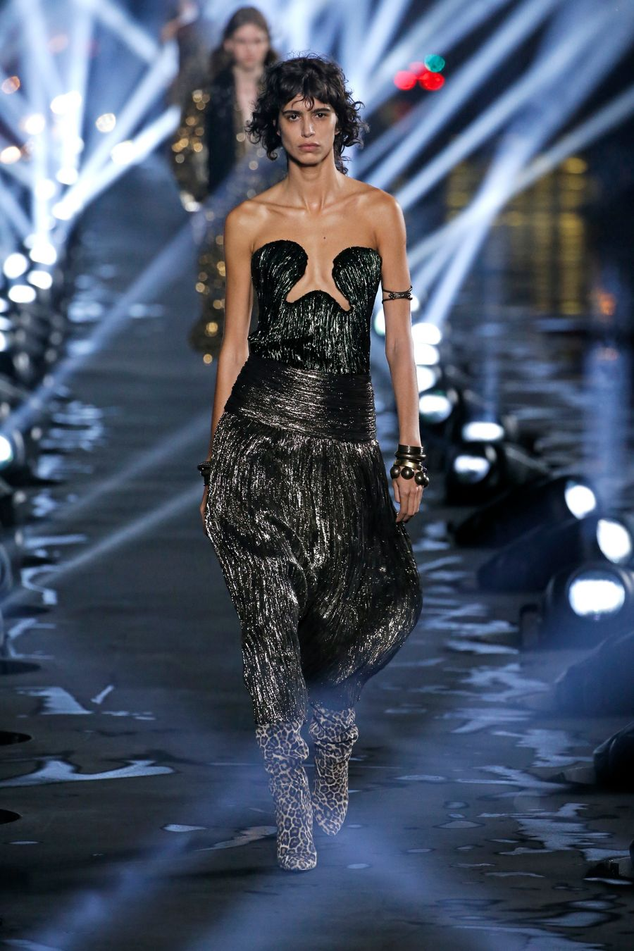 Latest Fashion Trends Catwalk Collections From Paris Fashion Week Xinhua English News Cn