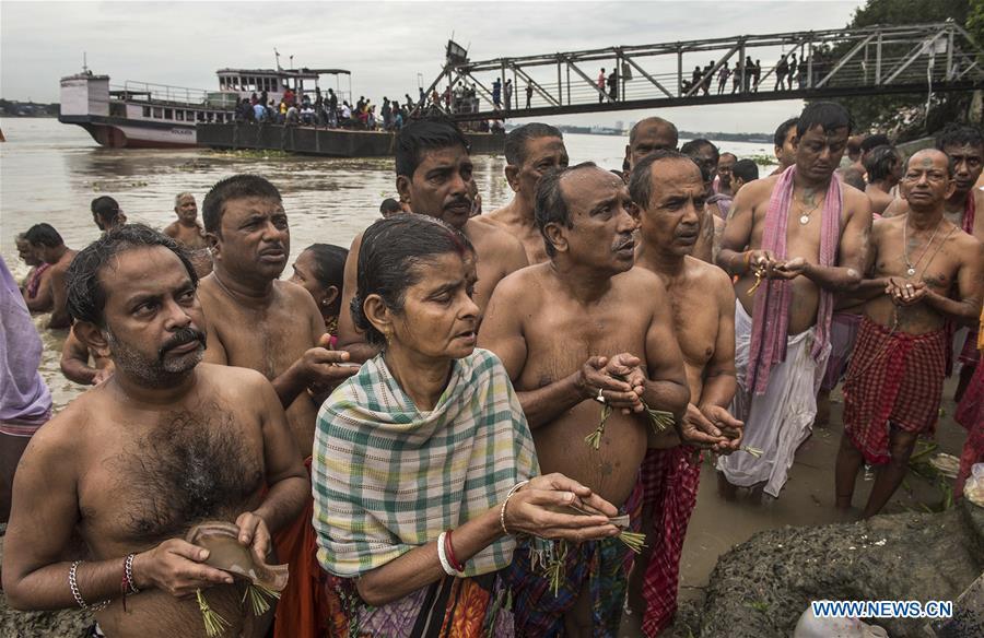 印度 - 加尔各答MAHALAYA-仪式