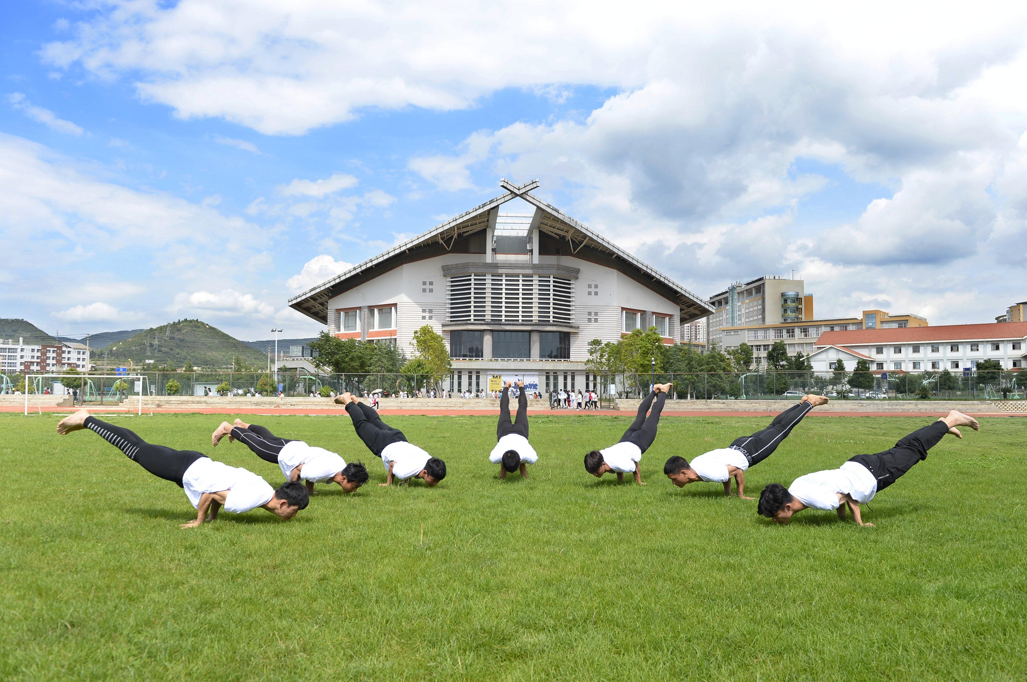 China Focus: How Taichi and yoga draw China, India closer - Xinhua | English.news.cn
