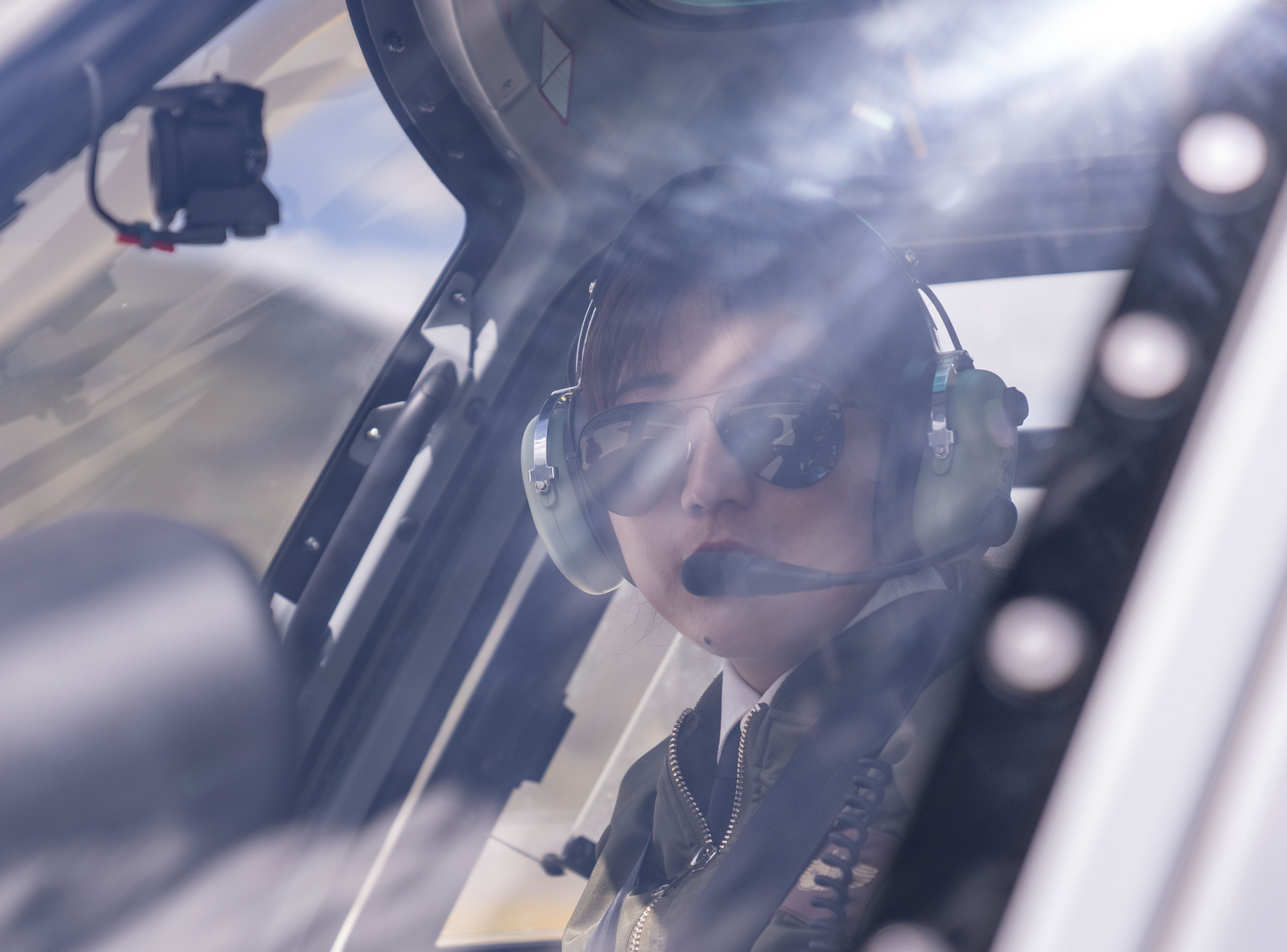 InTibet: Female Pilot Flies out of Poverty in China's Tibet - Xinhua | English.news.cn