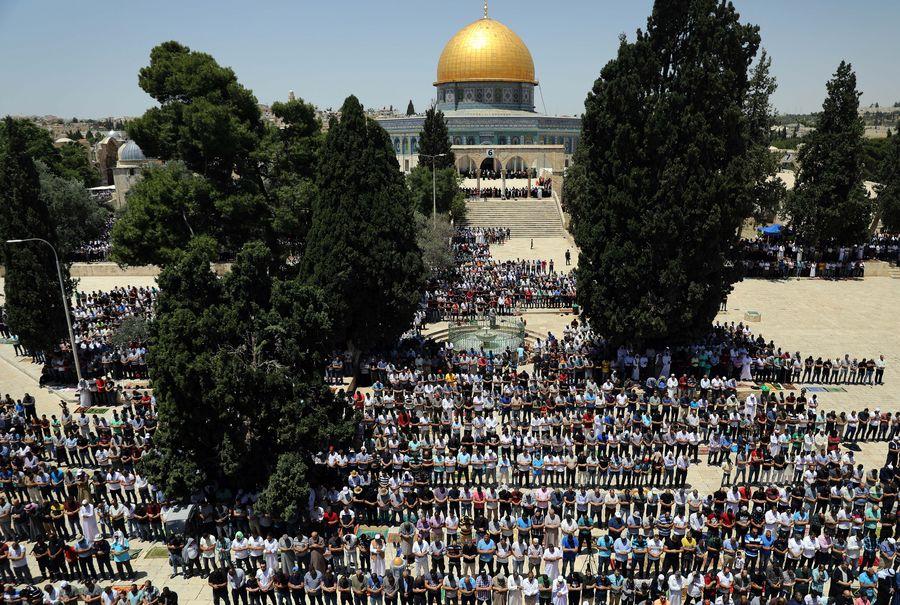 Saudi national football team visits Jerusalem shrine - Xinhua | English.news.cn