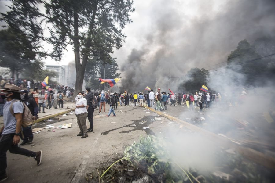 Protests against fuel hikes leave 6 dead, 1,507 injured in Ecuador: gov't - Xinhua | English.news.cn