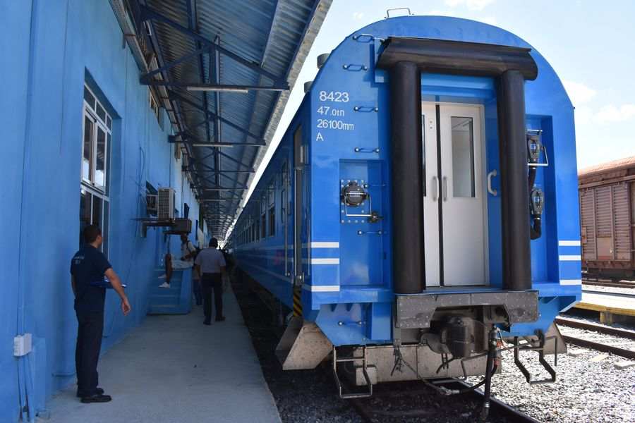 Feature: Chinese-built trains benefit over 200,000 Cubans in 3 months - Xinhua | English.news.cn