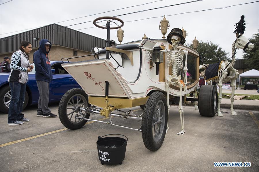 U.S.-HOUSTON-HALLOWEEN CAR SHOW