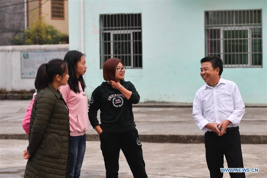Rural Teacher Takes Care of Left-Behind Students in E China's Jiangxi