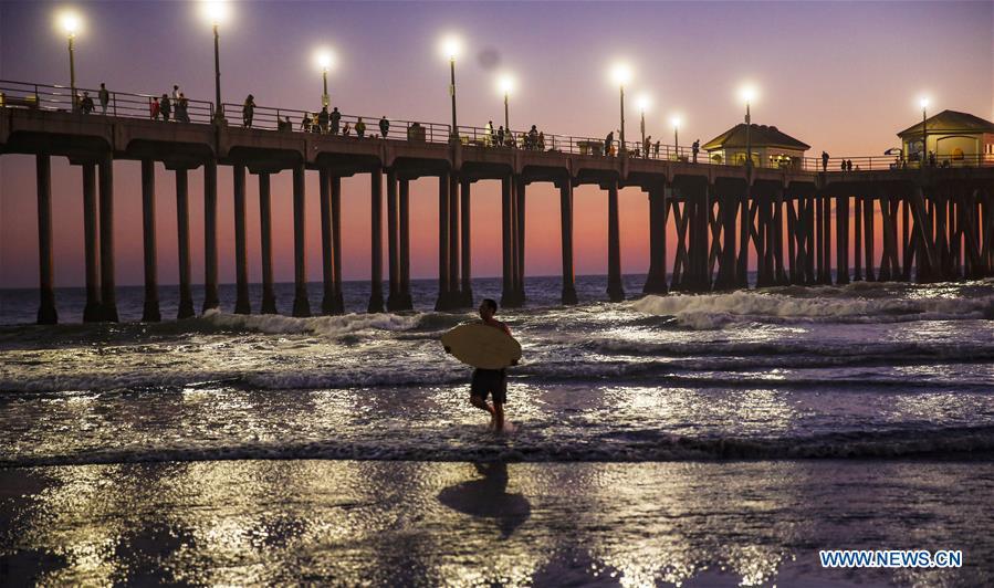 Sunset Scenery Of Huntington Beach In California U S Xinhua English News Cn