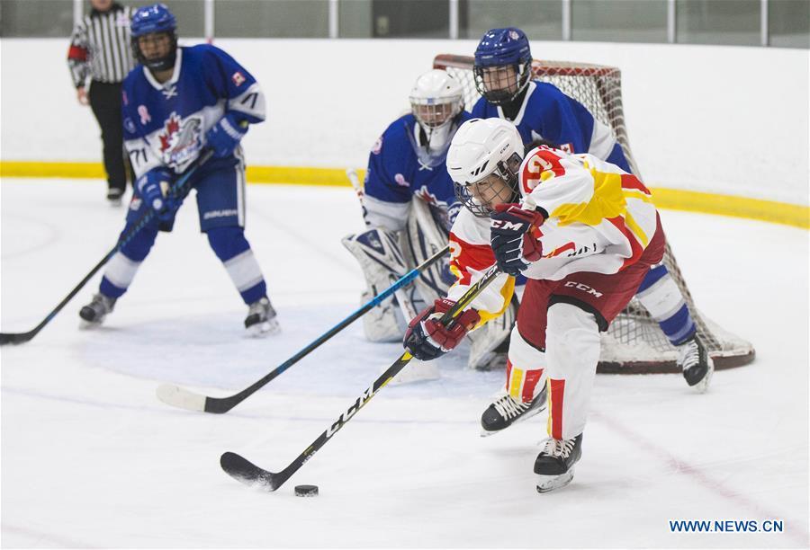 (SP)加拿大多伦多女子曲棍球U18团队训练比赛