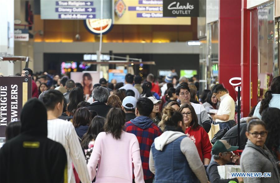 People Do Shopping For Black Friday Sales In Ontario U S Xinhua English News Cn