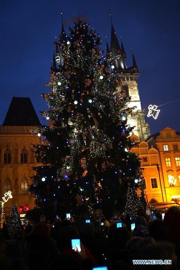 CZECH REPUBLIC-PRAGUE-CHRISTMAS TREE LIGHTENING