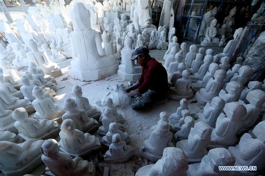 MYANMAR-MANDALAY-MARBLE SCULPTURE-CARVING