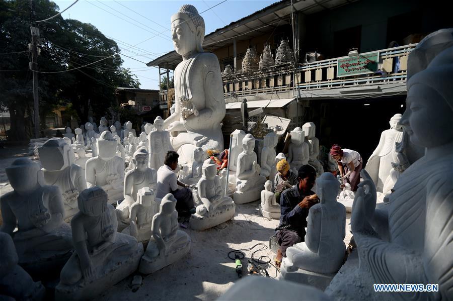 MYANMAR-MANDALAY-MARBLE SCULPTURE-CARVING