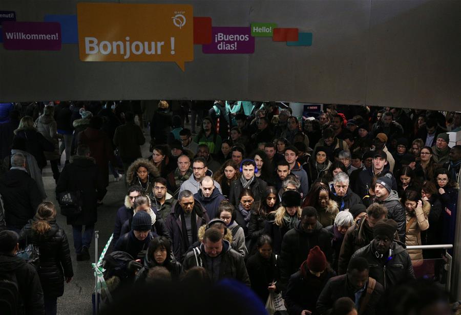 FRANCE-PARIS-STRIKE OVER PENSION REFORM-TRAFFIC