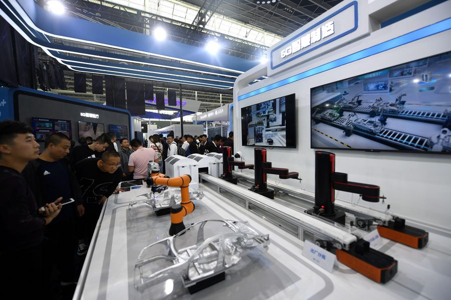 Digital economy to top half of China's GDP by 2023: IDC - Xinhua | English.news.cn