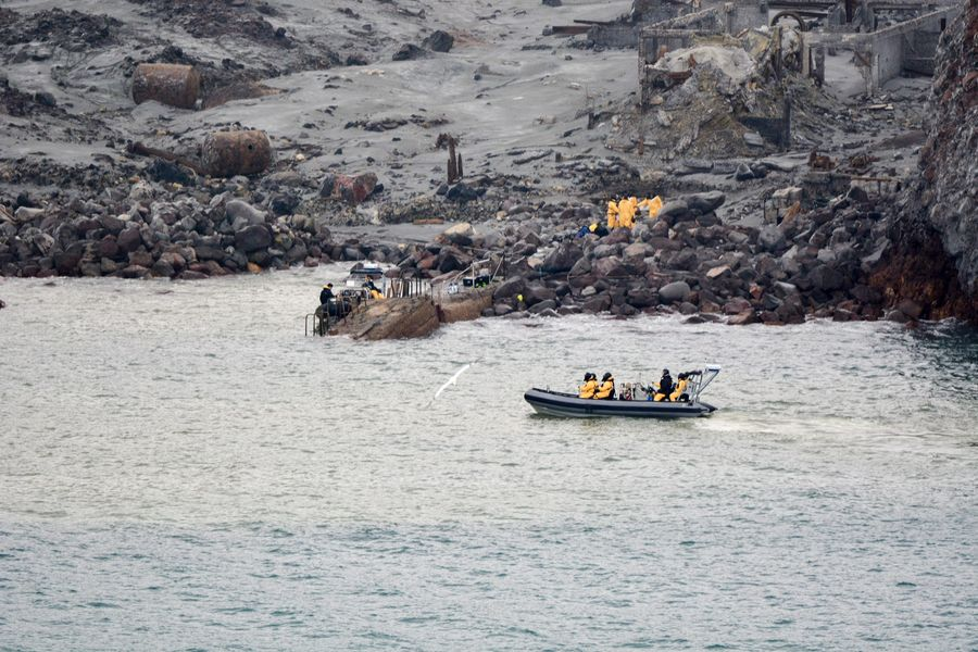 New Zealand White Island recovery operation continues as 2 remain missing - Xinhua | English.news.cn