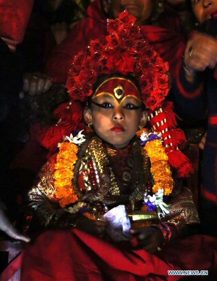 尼泊尔-加德满都-塞托·马亨德纳特-年度沐浴仪式