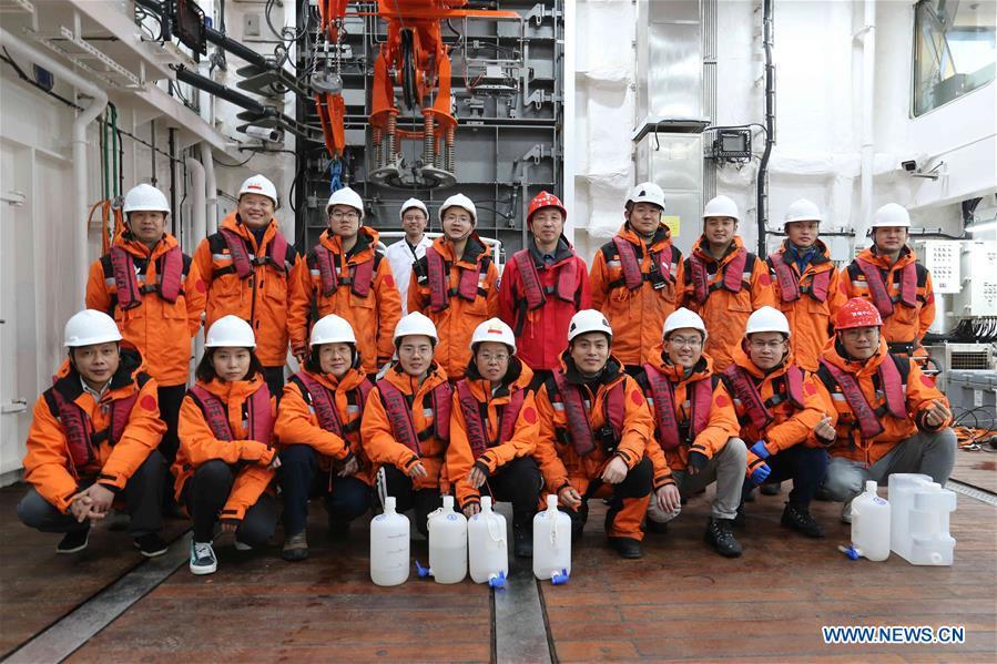 (EyesonSci)中国-学龙2南极探险-宇航员海洋