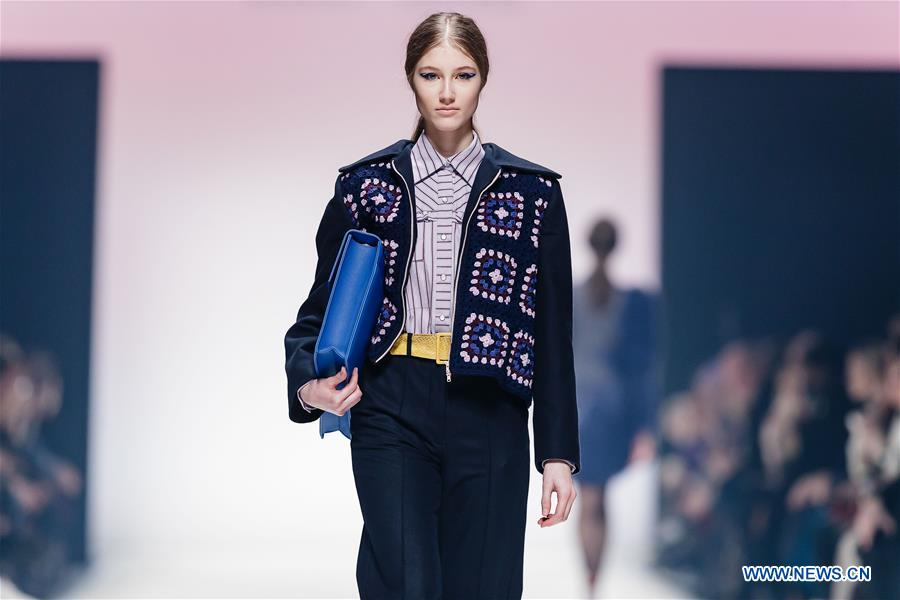 In Pics Creations Of Designer Danny Reinke At Mercedes Benz Fashion Week Xinhua English News Cn