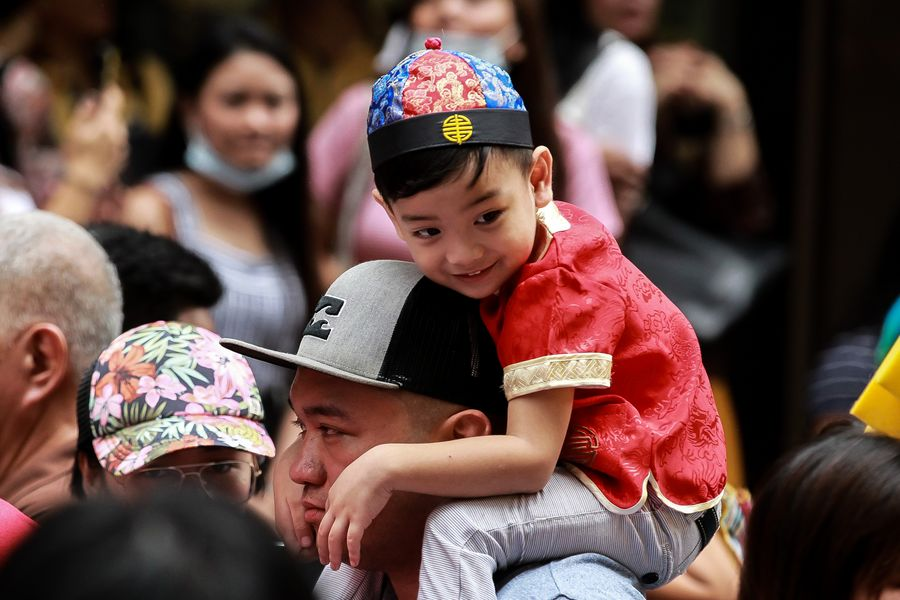 Asia Album: Celebrations of Chinese Lunar New Year in Chinatown of Manila - Xinhua | English.news.cn