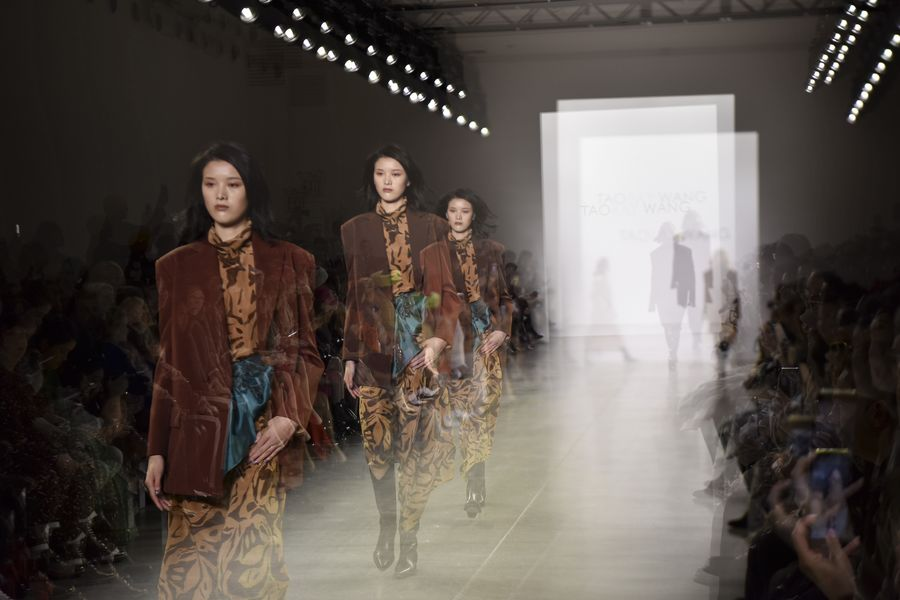 Chinese Designer Wang Tao Showcases Women Power At New York Fashion Week Xinhua English News Cn