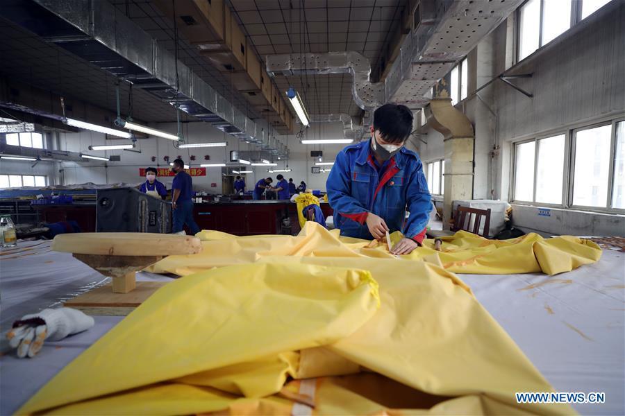 CHINA-LIAONING-SHENYANG-PROTECTIVE SUITS-PRODUCTION (CN)