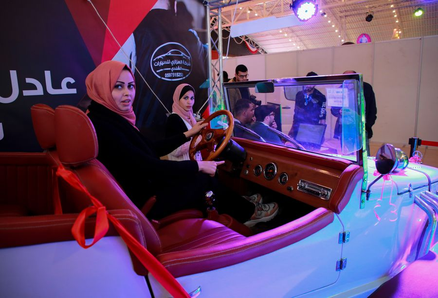 Gaza holds first car exhibition - Xinhua | English.news.cn
