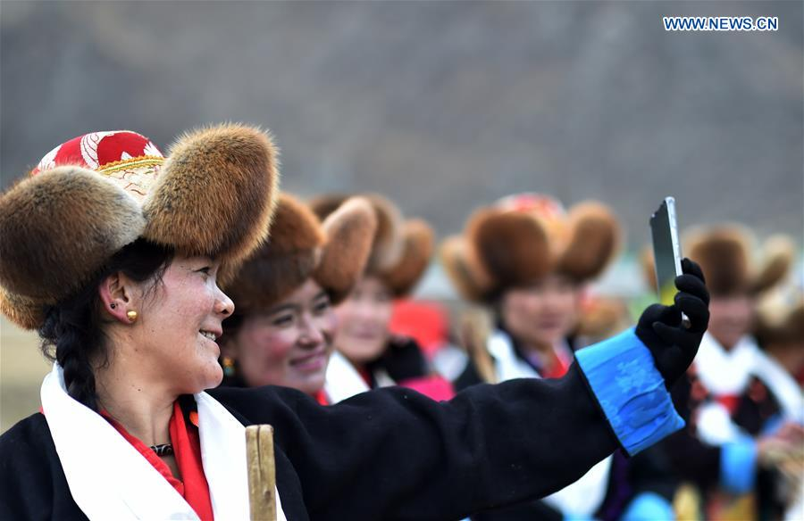 Spring Ploughing Ceremonies Take Place in Tibet to Pray for Year with Good Harvests