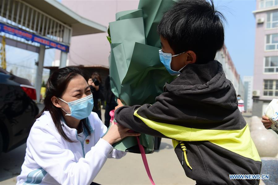 CHINA-HEBEI-COVID-19-MEDICAL WORKER-QUARANTINE-FINISH-RETURN HOME (CN)