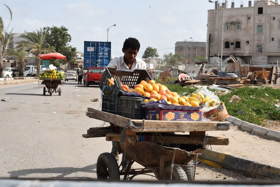 Feature: Anti-coronavirus efforts stir worries about livelihood in war-ravaged Yemen - Xinhua   English.news.cn