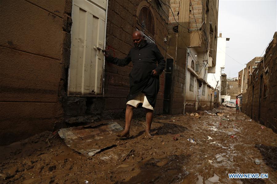 也门-萨那-暴雨洪灾