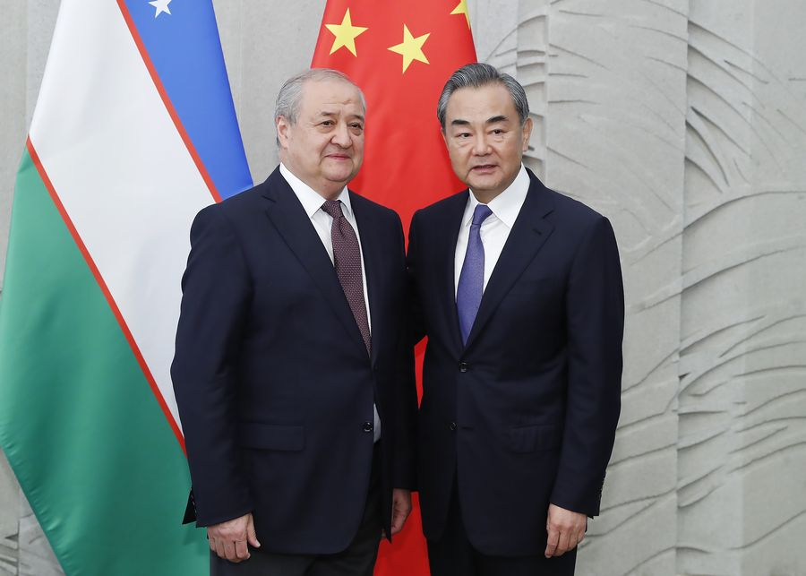 China to continue helping Uzbekistan fight COVID-19: Chinese FM