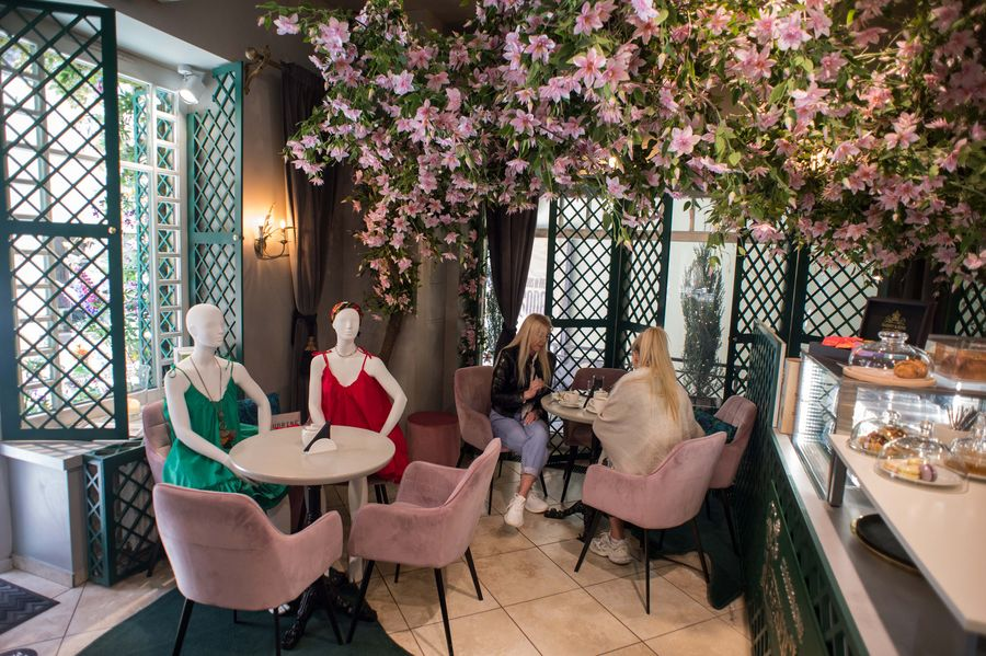 Cafes, restaurants in Vilnius, Lithuania, become shop window for local fashion designers - Xinhua | English.news.cn