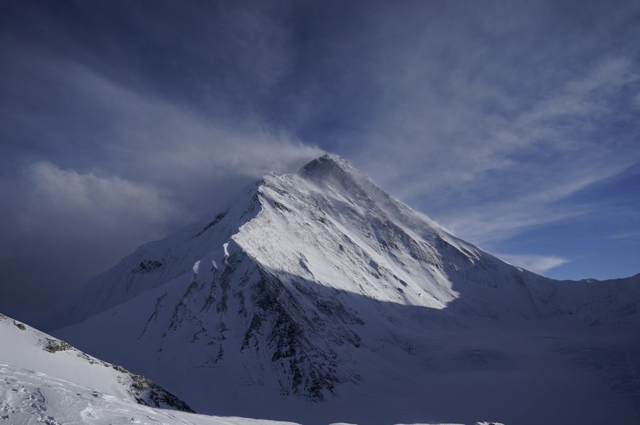 Nepali surveyor recalls hardships while measuring height of Mount Qomolangma - Xinhua   English.news.cn