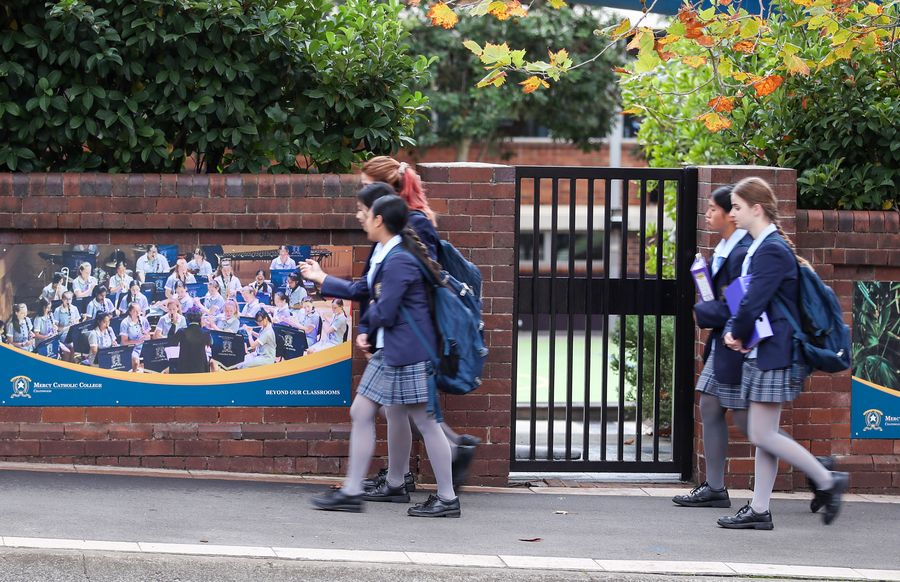 Aussie students return to school as restrictions ease - Xinhua   English.news.cn