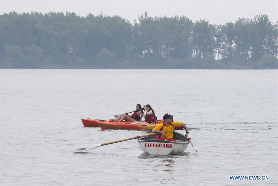 CANADA-TORONTO-COVID-19-游泳海滩-救生员返回