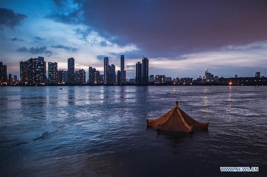 CHINA-HUBEI-WUHAN-YANGTZE RIVER-WATER LEVEL (CN)