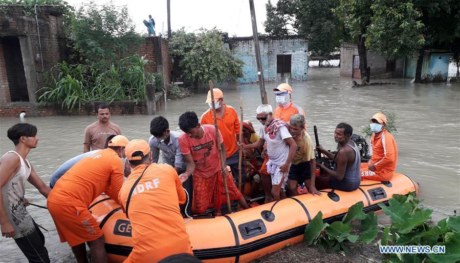 印度-比哈尔河-洪水救援