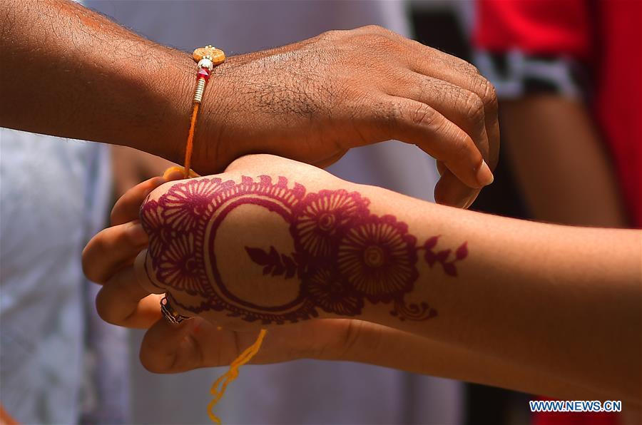 在印度阿加尔塔拉举行的罗刹Bandhan节庆祝
