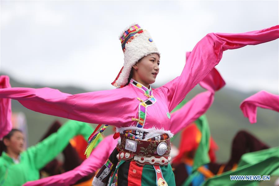 Highlights of Luqu Guozhuang Dance Performance in Gansu