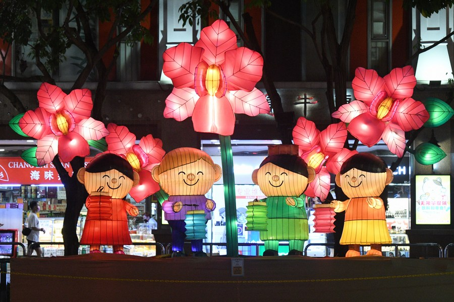 Asia Album Festive Lanterns Lit Up For Upcoming Mid Autumn Festival In Singapore Xinhua English News Cn