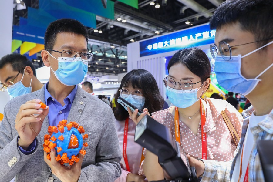 China spares no effort in developing COVID-19 vaccine