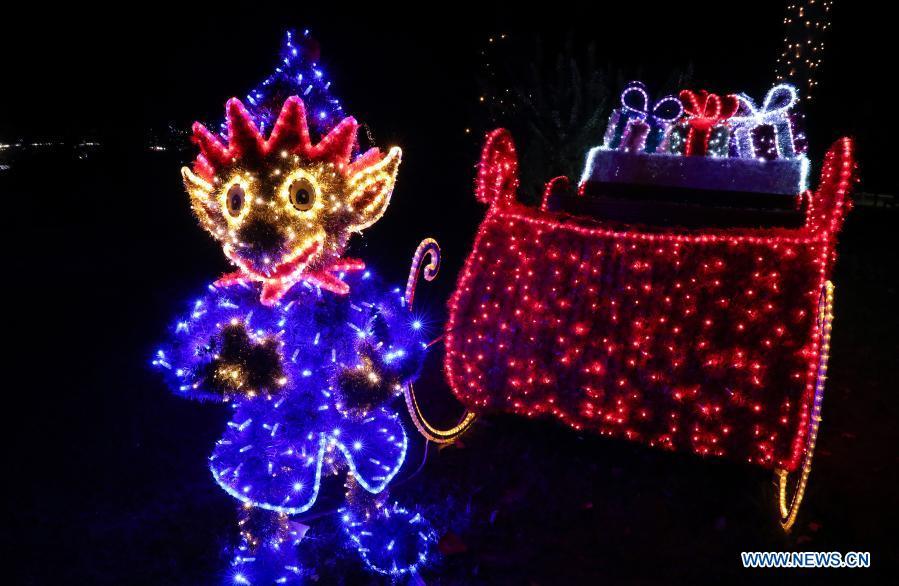 In Pics Illuminated Christmas Decorations At Zagreb Zoo In Croatia Xinhua English News Cn