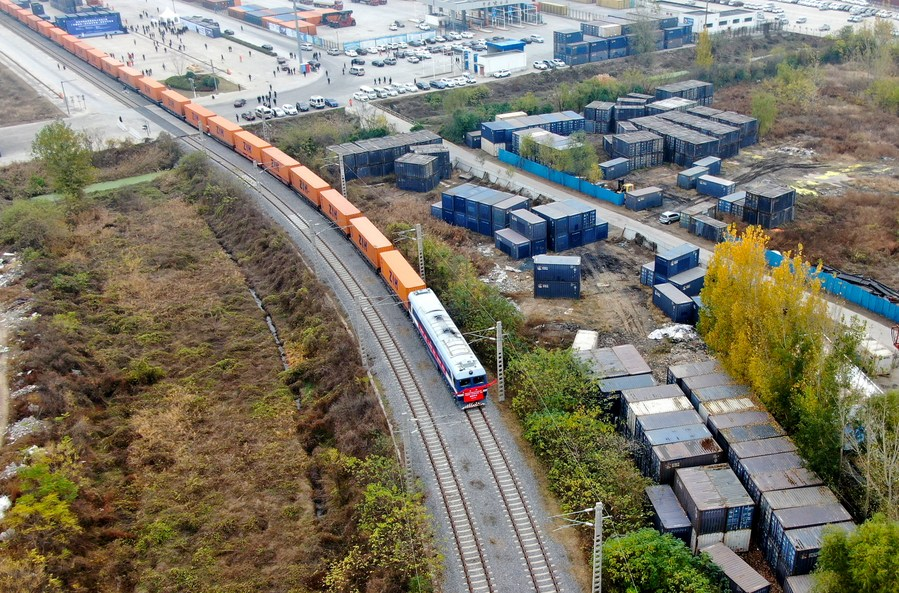 China ready to join Finland for stronger trade: Xi - Xinhua | English.news.cn