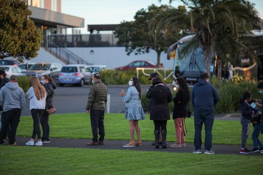 Album: Kiwis queue for COVID-19 vaccine - Xinhua | English.news.cn