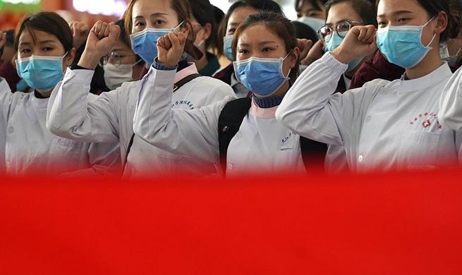 Xinhua Headlines: Women shine in China's anti-epidemic campaign