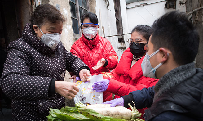 Xinhua Headlines: Grid-based community workers power up China's grassroots coronavirus fight