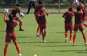 China's players prepare for match against Italy