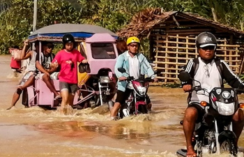 Typhoon Phanfone leaves 13 dead in Philippines