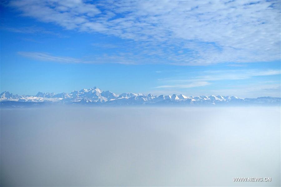 Photo taken on Feb. 13, 2017 shows a sea of clouds over Lake Geneva. (Xinhua/Xu Jinquan)